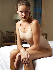 Solo girl in her first erotic session